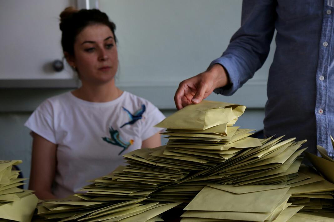 Valglokalene stengte klokka 16 norsk tid, og de første resultatene kan ventes rundt klokka 21. Foto: Reuters / NTB scanpix
