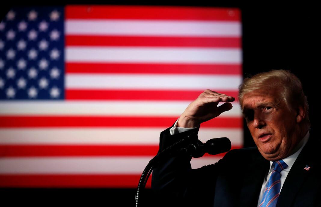 Mediene omtaler denne mannen oftere enn rekordvarmen i deler av landet. Foto: Leah Millis / Reuters / NTB scanpix