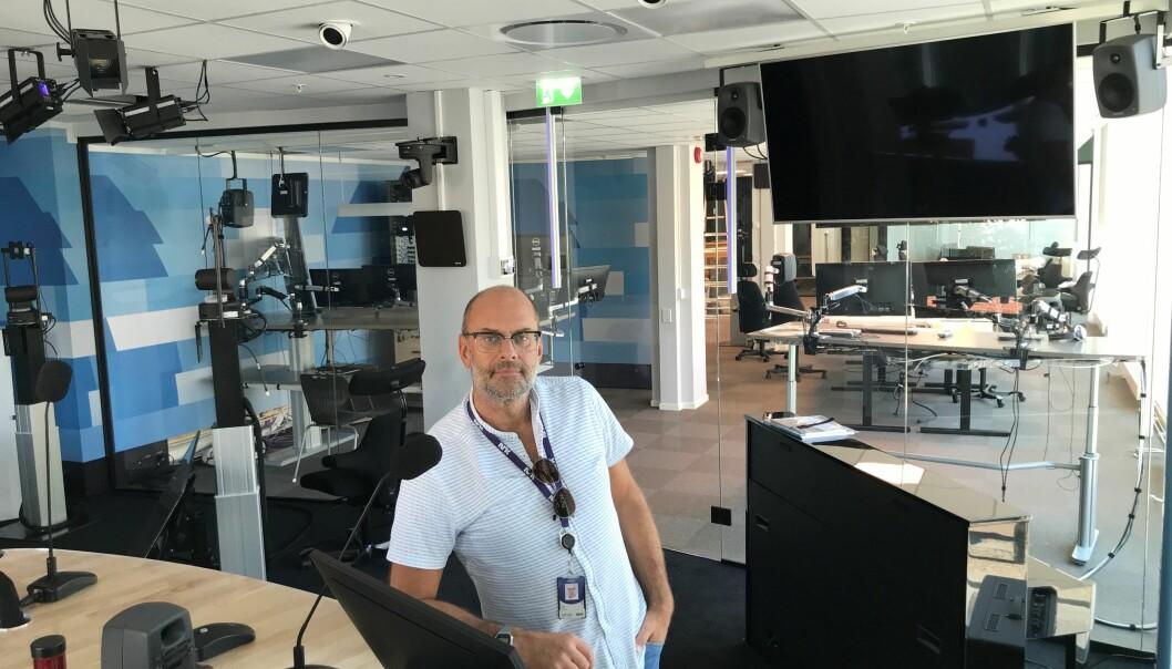 DK-redaktør Morten Rød i studioet i Markens gate. Foto: NRK