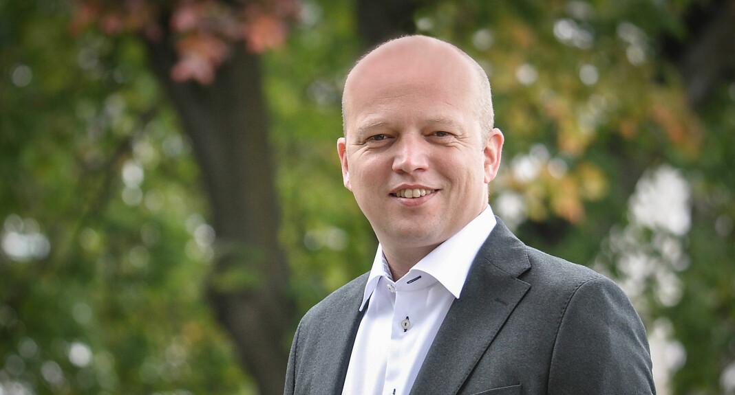Partileder i Senterpartiet, Trygve Slagsvold Vedum, ønsker at Stortinget skal se på kostnader for å skru på FM-nettet igjen. Foto: Senterpartiet