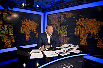 Apple og Facebook fjerner omstridte Alex Jones