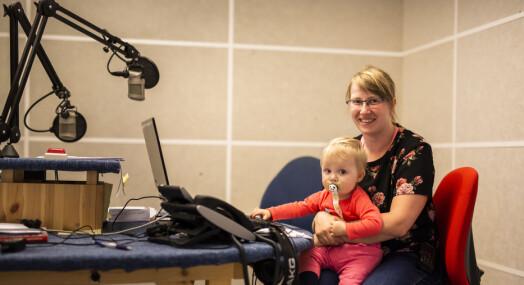 Hun starta i Radio Bø med praksisplass på ungdomsskolen. Nylig ble hun fast ansatt i lokalradioen, som nå utvider med to stillinger