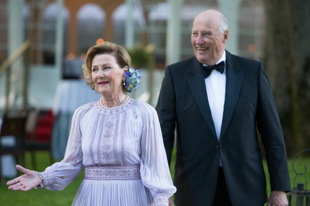 «Dronning Sonja fyller 80 år i dag» kunne P2-lyttere høre i NRKs radio-app tirsdag morgen. Foto: Audun Braastad / NTB scanpix