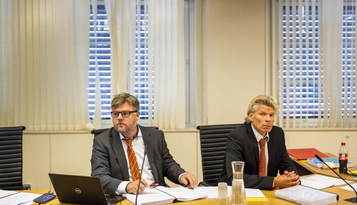 NRKJ-leder Richard Aune og NJs advokat Knut Skaslien i arbeidsretten. Foto: Kristine Lindebø