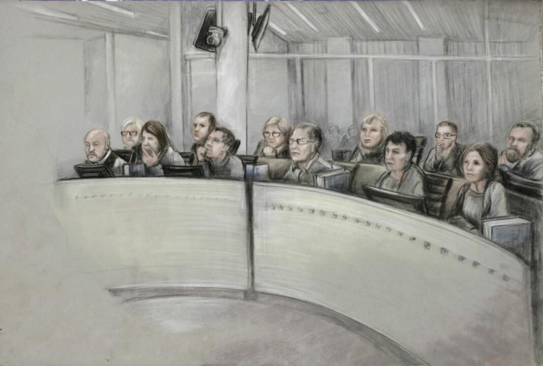 Juryen i sal 250 Oslo tingrett ved ankesaken mot Gjermund Cappelen og Eirik Jensen i Borgarting lagmannsrett. Tegnet av Ane Hem / NTB scanpix