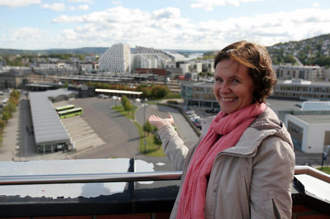Næringssjef Maria Hoff Aanes i Skedsmo kommune ønsker NRK til bussterminaltomten i Lillestrøm sentrum. Foto: Glenn Slydal Johansen
