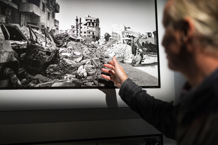 Hva har de å komme tilbake til? Hvor skal de begynne? sier Rune Eraker om dem som kom tilbake til sine totalbombede hjem i Raqqa, Syria. Foto: Kristine Lindebø