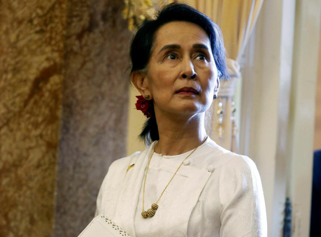 Myanmars leder Aung San Suu Kyi på besøk i Hanoi i Vietnam tidligere i september. Foto: Reuters / NTB scanpix