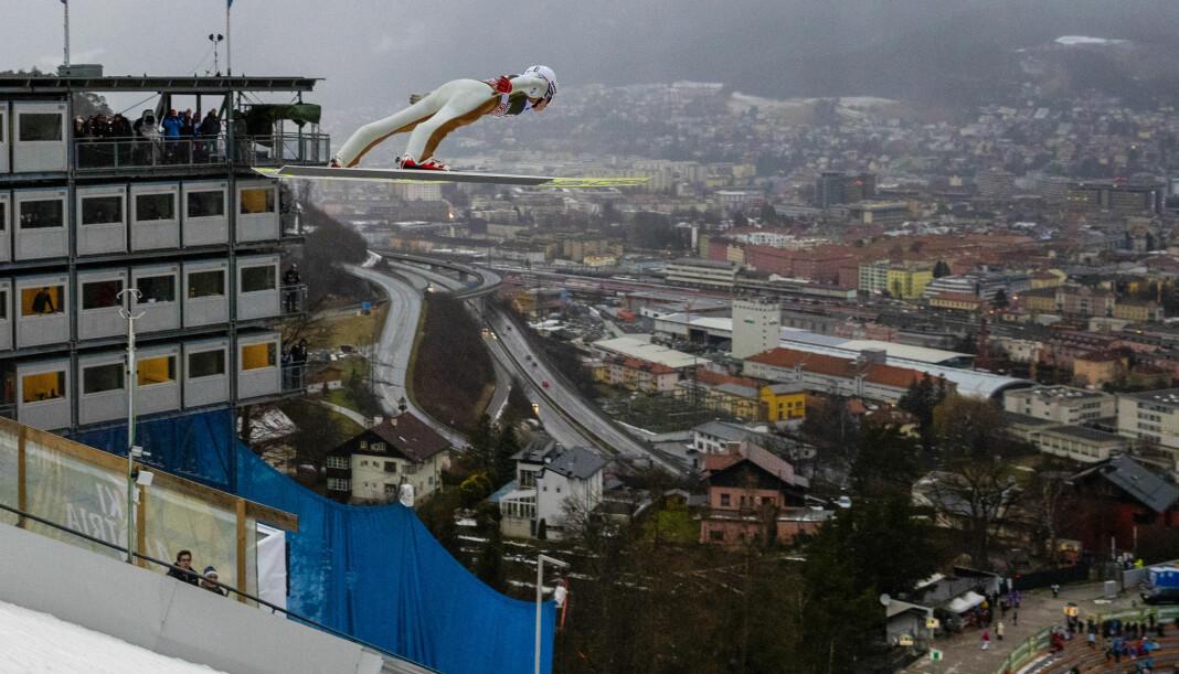 Hoppukerennet fra Bergiselbakken i Innsbruck kan havne på en annen kanal enn NRK. Foto: Terje Bendiksby / NTB scanpix