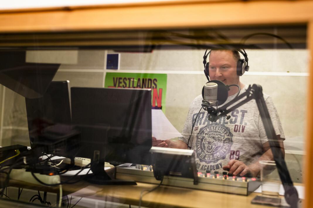 Ted Ivar Paulsen har vært i Radio Bø siden han var 14 år. Foto: Kristine Lindebø