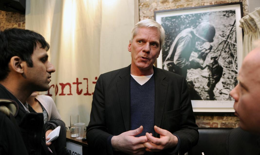 Kristinn Hrafnsson, tidligere talsperson for WikiLeaks, under et møte med journalister i London i 2010. Nå er han utnevnt til redaktør i organisasjonen for å overta for Julian Assange. Foto: Paul Hackett / Reuters / NTB scanpix