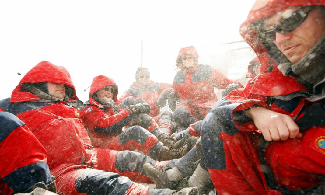 TILBAKEBLIKKET: Jens Stoltenberg og norske journalister besøker Antarktis