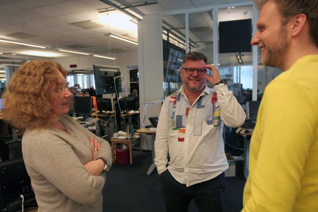 Richard Aune i samtale med nestleder Laila Bakken og leder Atle Bjurstrøm i den nystiftede og nest største NJ-klubben NRK Nyheter. Foto: Glenn Slydal Johansen