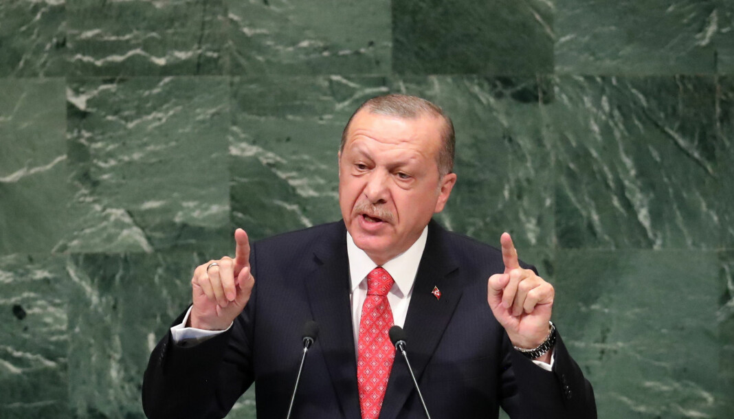Kommentatoren Yavuz Selim Demirag har vært kritisk til president Recep Tayyip Erdogan (bildet). Det kan være årsaken til at han ble banket opp. Foto: Reuters / NTB scanpix