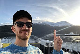 MORGENRUTINEN: Bergens Tidendes Jens Kihl synast det var stas då han fekk Islands president på tråden