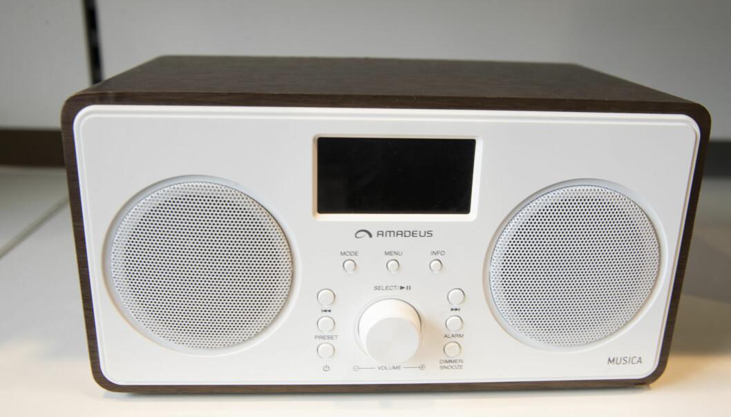 Kun halvparten av befolkningen hørte daglig på radio i fjor. Det er nytt bunnivå. Foto: Terje Bendiksby / NTB scanpix