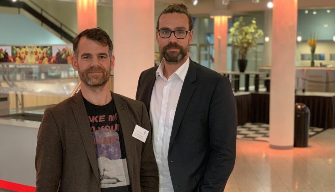 Leo Sande Gasnier og Andreas Hamnes fra Brønnøysundregistrene har jobbet med en prototype på et digitalt aksjonærregister lagret i blokk-kjeder. Foto: Glenn Slydal Johansen
