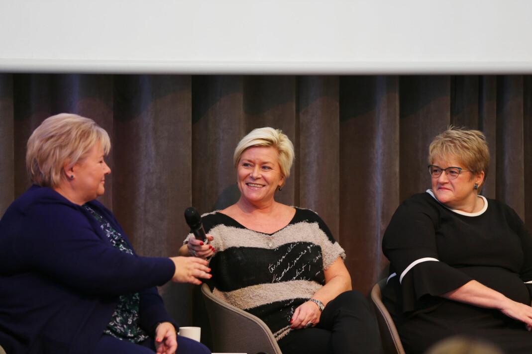 Statsminister Erna Solberg (H), finansminister Siv Jensen (Frp) og kulturminister Trine Skei Grande (Frp) snakket om utfordringer for unge kvinner i politikken. Foto: Ørn E. Borgen / NTB scanpix