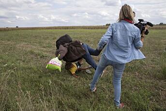 Ungarsk fotograf slipper fengsel etter angrep på flyktninger