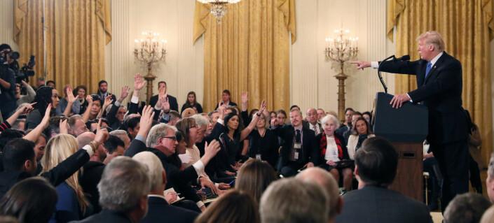 CNN-reporter ble fratatt mikrofon under Trumps pressekonferanse