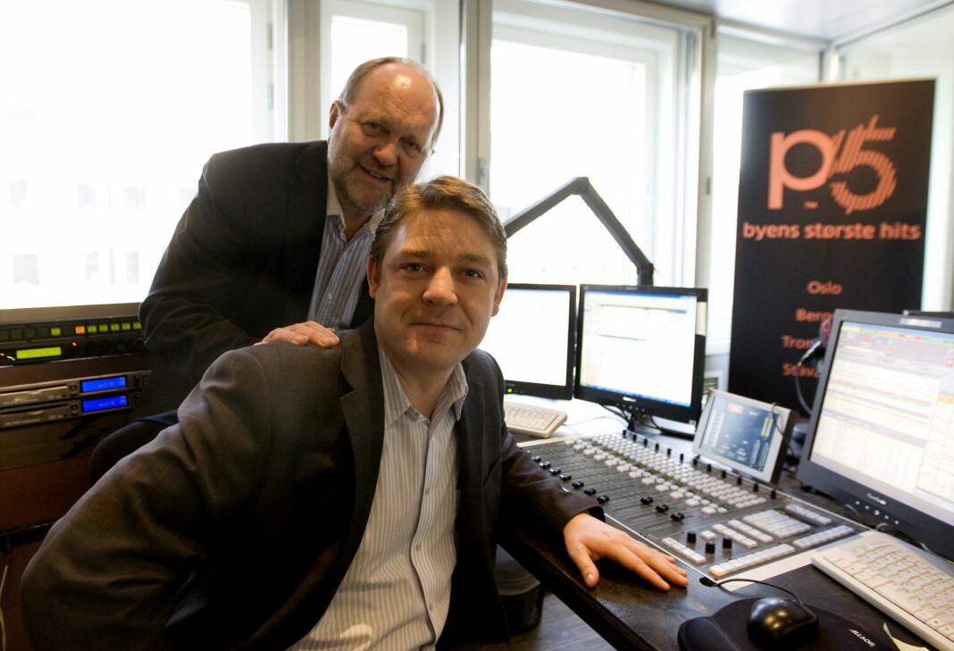 Fra P5-lanseringen i 2010. Daværende P4-topp Kalle Lisberg (tv) og kanalsjef Kenneth Andresen. Foto: Morten Holm / NTB scanpix