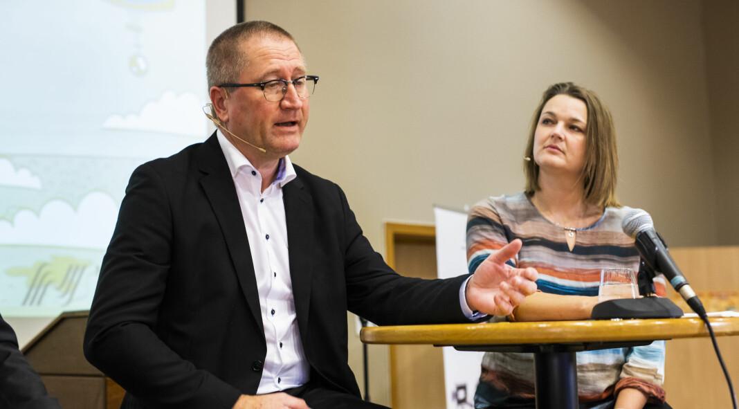 KrFs Geir Jørgen Bekkevold og NJ-leder Hege Iren Frantzen debatterte mediemeldinga på NRKJs årsmøte. Foto: Kristine Lindebø