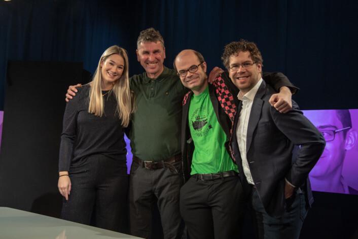 Klare for sjakk: Fra venstre Regine Leenborg Anthonessen, Simen Agdestein, Hans Olav Lahlum og Jon Ludvig Hammer. Foto: Annemor Larsen/VG