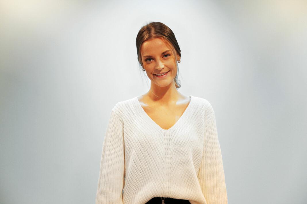 Synne Elise Solli Sanderud (23) er fast ansatt som vaktsjef i Scandinavia Online (Sol) Foto: Camilla Hjelmeseth, Scandinavia Online