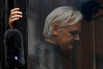 Julian Assange forblir fengslet på grunn av rømningsfare