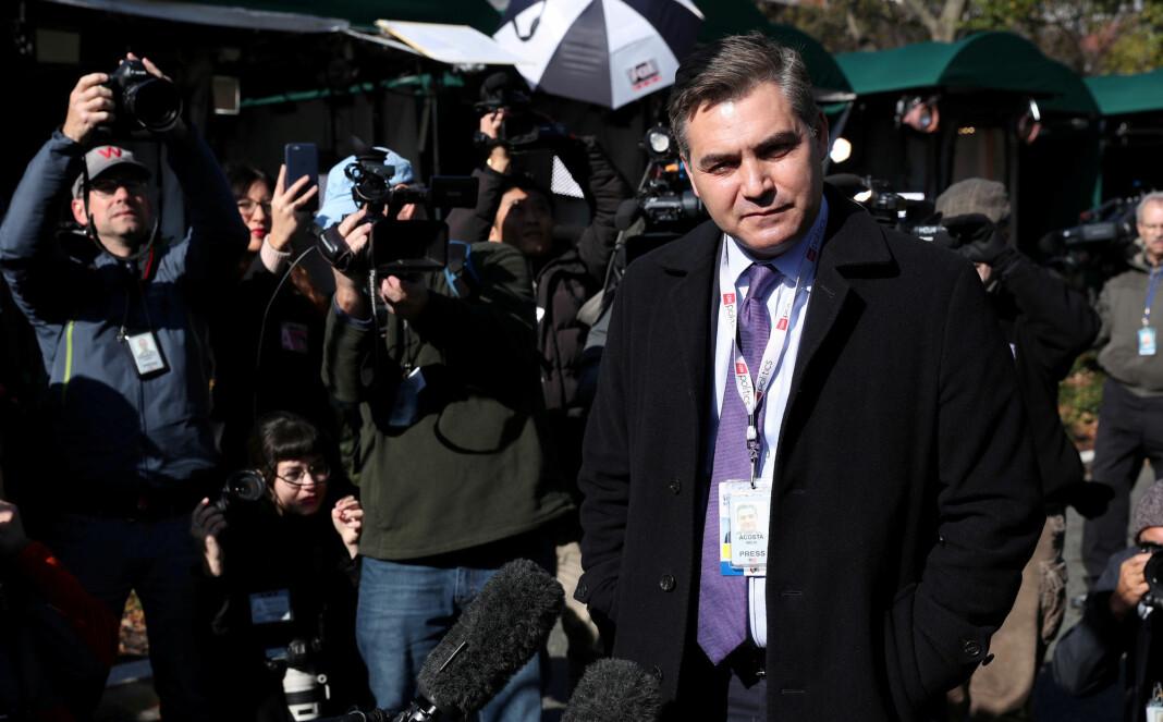 CNN-reporter Jim Acosta kan bli fratatt akkrediteringen til Det hvite hus igjen snart. CNN går nå rettens vei for å hindre at det skjer. Foto: Reuters / NTB scanpix