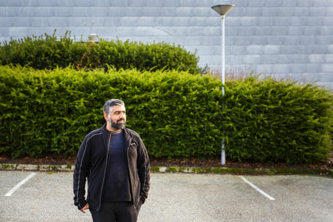 NRK Rogaland-journalist Syed Ali Shahbaz Akhtar står bak de to aller mest leste sakene på NRK.no det siste året, målt i lesetid. Foto: Kristine Lindebø