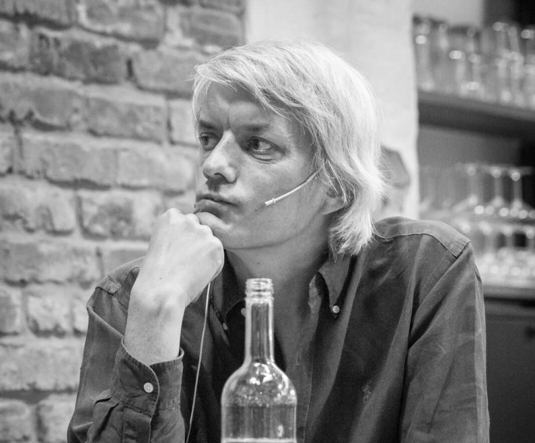 Den profilerte musikkritikeren til Dagens Næringsliv, tror avisen nå gjør et dårlig valg. – Folk er jævla forbanna, sier Audun Vinger til Morgenbladet. Foto: Tore Sætre / Wikimedia