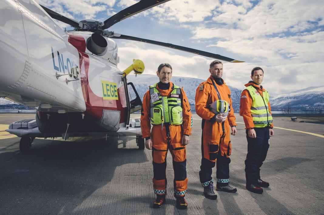 Anestesilege Ole Magnus Filseth, Pilot Tommy Kraknes og redningsmann Hendrik Bollingmo er et av vaktlagene på luftambulansen i Tromsø, og blir fulgt av NRK i serien 113. Foto: Marius Fiskum / NRK
