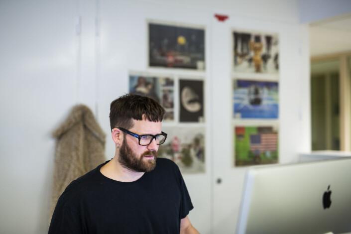 Produsent og innkjøpssjef Jonas Brenna i Aftenposten, her i Aftenposten-redaksjonen. Foto: Kristine Lindebø