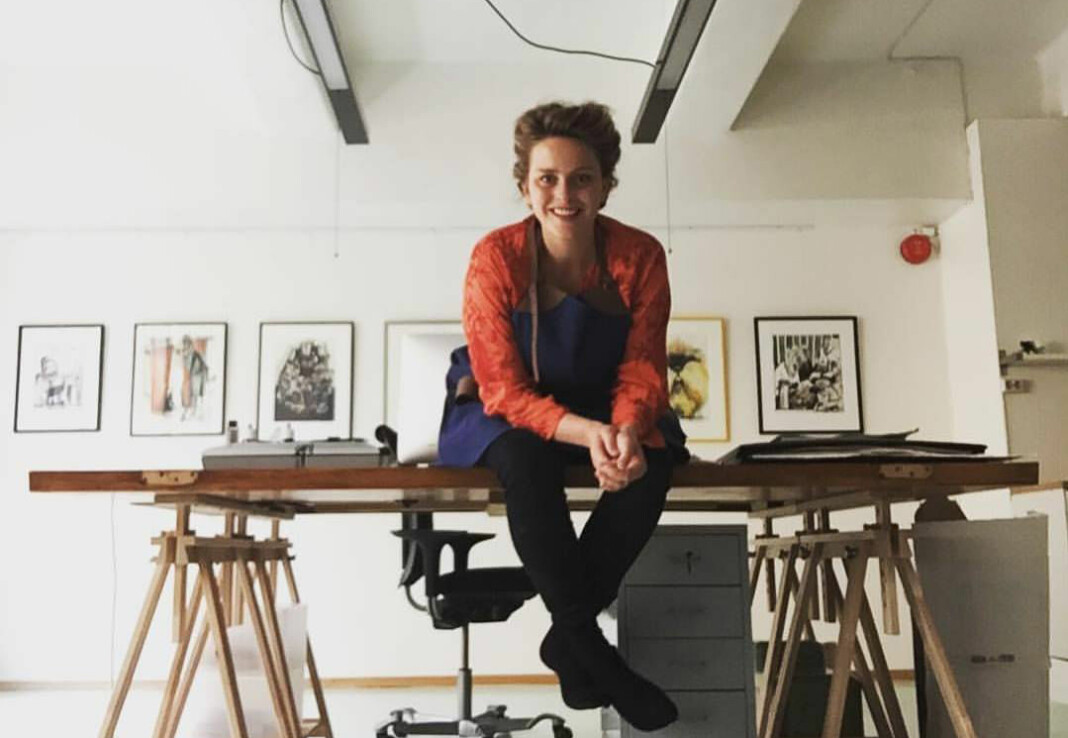Illustratør Hilde Thomsen tegner blant annet for Dagens Næringsliv, og synes det er flott med flere kvinnelige tegnere i spaltene. Foto: Privat