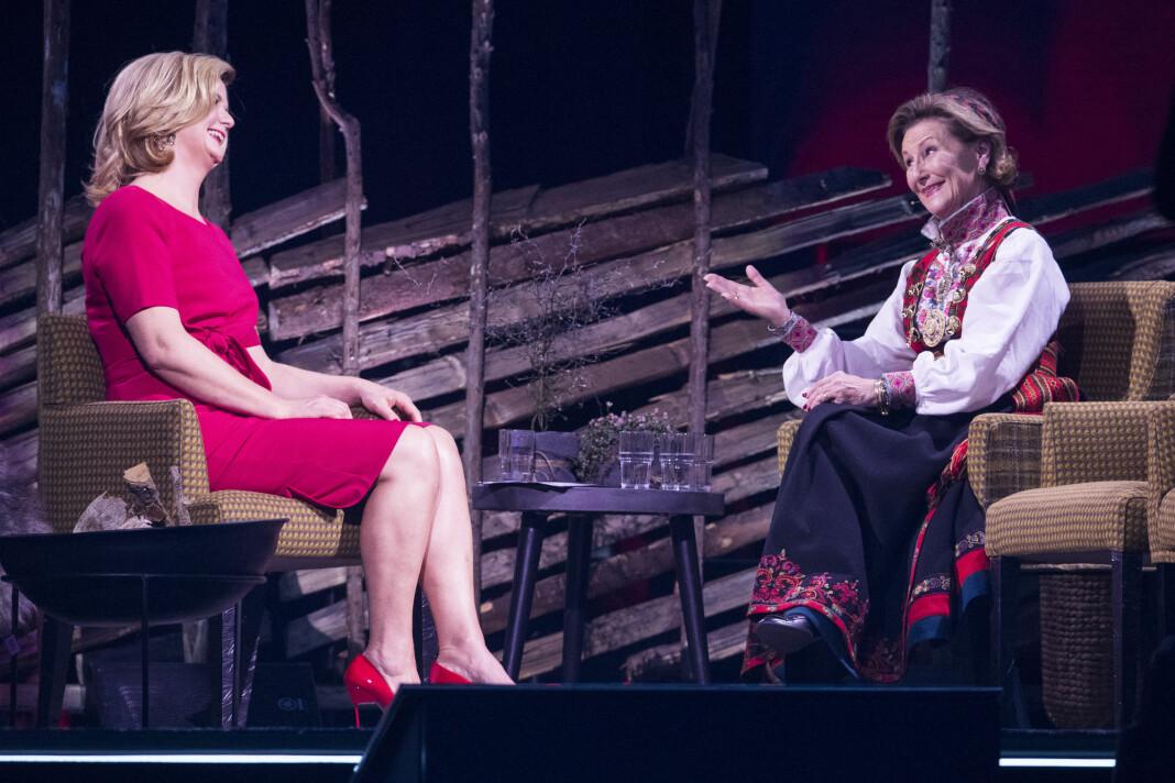 Programleder Anne Lindmo intervjuet dronning Sonja i januar i fjor. Denne helgen opplevde hun seerflukt. Foto: Håkon Mosvold Larsen / NTB scanpix