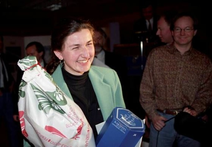 Karina Jensen etter at hun vant Årets bilde i 1992. Foto: Aftenposten