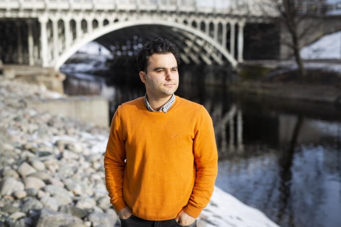 Javad Parsa er frilansfotograf for DN. Foto: Kristine Lindebø