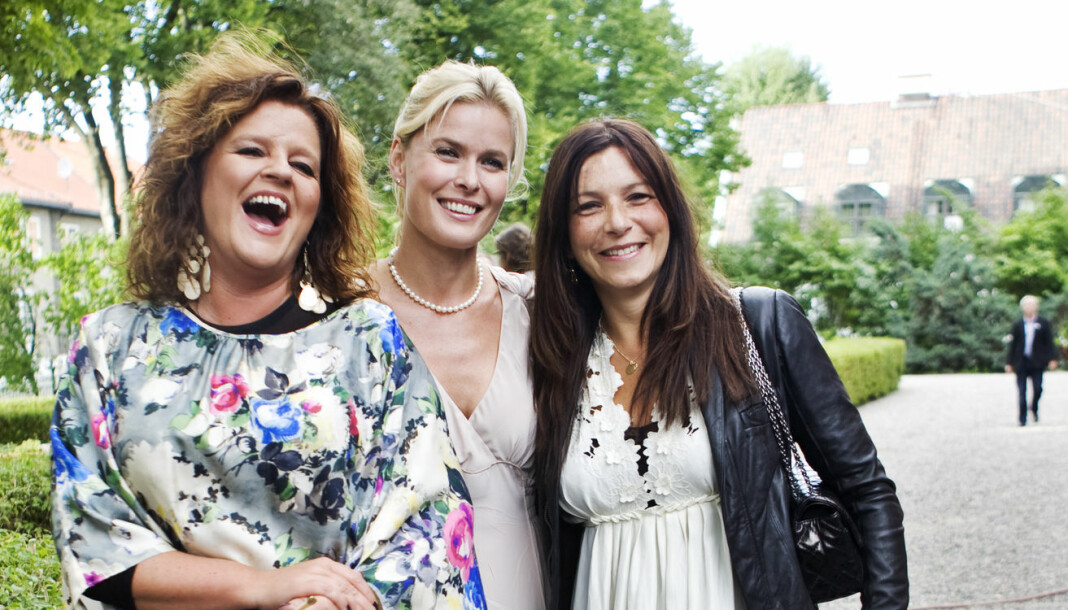 Signy Fardal, Vendela Kirsebom og Petra Middelthon på Aschehougs tradisjonelle hagefest i Oslo. Arkivfoto: Kyrre Lien / NTB scanpix