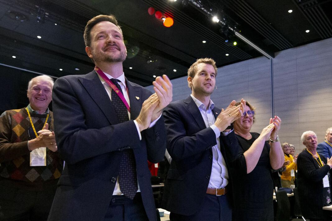 NRKs sak om utviklingsminister Dag Inge Ulstein (KrF), foran til venstre i bildet og hans rådgiver, har fått mange klager. Foto: Fredrik Hagen / NTB scanpix