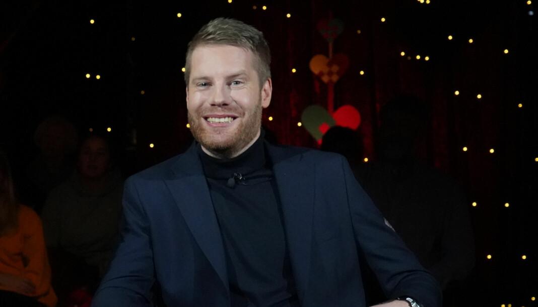 Reidar Kjæstad er mest kjent fra radio, men har også vært å se på tv-skjermen. Her fra et adventsprogram i 2018. Foto: Terje Hording Gong/NRK