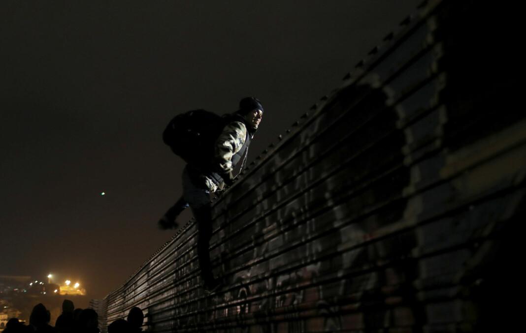 USA har i hemmelighet registrert journalister og aktivister som knyttet til karavanene av migranter som prøvde å nå USA. Foto: Reuters / NTB scanpix
