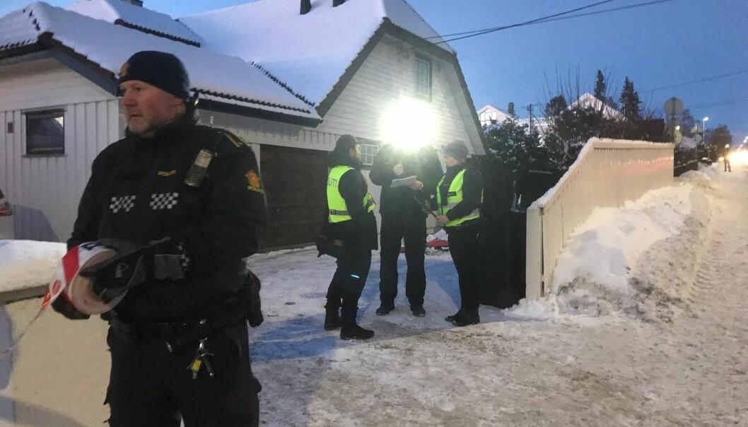 I vinter har det vært flere hendelser ved justisministerens bolig i Oslo. I januar tok det fyr i en søppelkasse (bildet). Natt til søndag brant det i en bil ved boligen. Foto: Ole Kristian Bjellaanes / NTB scanpix