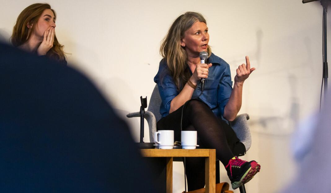 – Politet må skille snørr og barter. Når de snakker om fotografering og publisering i samme åndedrag, så roter de til debatten, sier fotosjef Annemor Larsen i VG (t.h). Arkivfoto: Kristine Lindebø