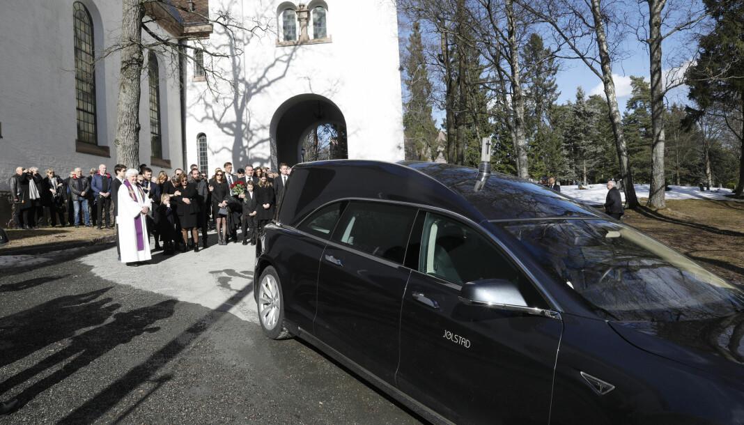 Tidligere Se og Hør sjef Knut Haavik bisettes fra Ris Kirke. Foto: Tom Hansen / NTB scanpix