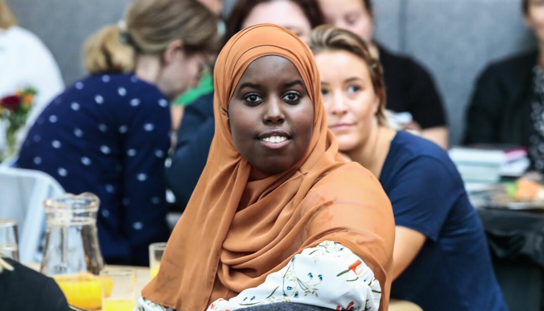 Sumaya Jirde Ali er spaltist i Morgenbladet og Klassekampen. I tillegg har hun gitt ut to bøker – «Melanin hvitere enn blekemiddel» og «Kvinner som hater menn». Nå er hun hedret med ytringsfrihetsprisen for 2018. Foto: Lise Åserud / NTB scanpix