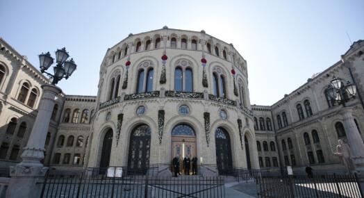 Dansevideo-journalist dropper gjenvalg til Stortingets presselosje