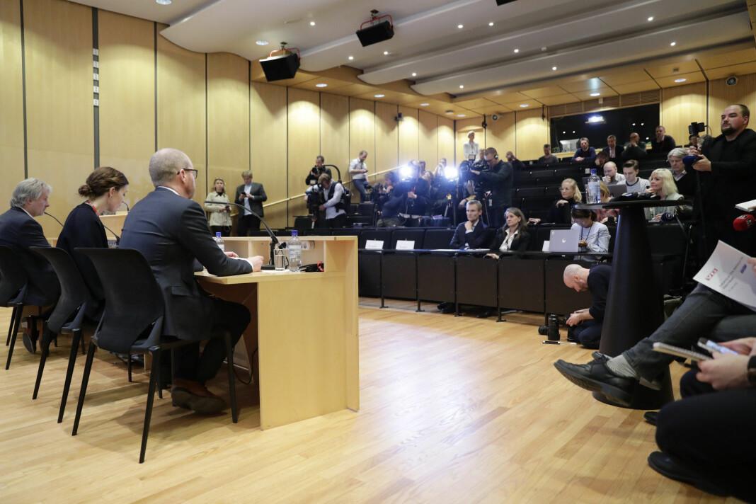 Et stort pressekorps fulgte framlegging av VGs interne granskningsrapport onsdag kveld. Foto: NTB scanpix