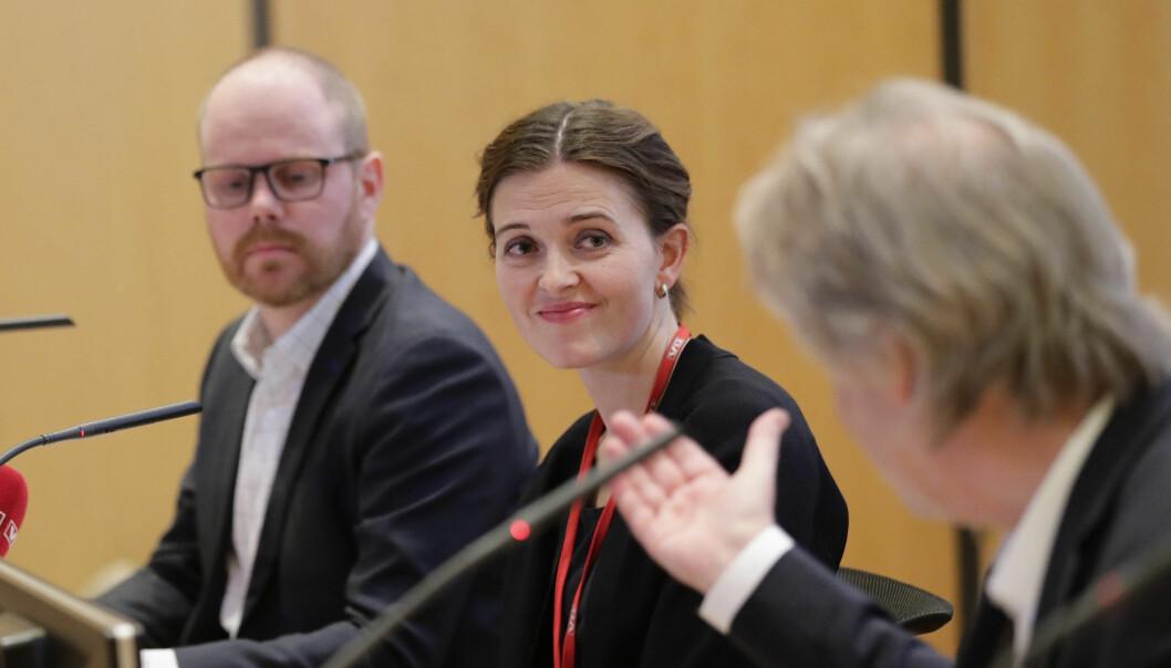 Sjefredaktør Gard Steiro og nyhetsredaktør Tora Bakke Håndlykken. Styreleder Torry Pedersen i forgrunnen. Foto: Berit Roald / NTB scanpix
