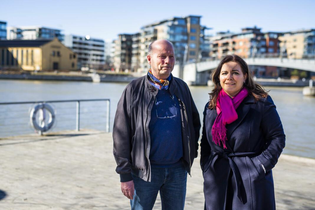 Morten Wang og Emira Holmøy fra Tønsbergs Blad ble hedret i sin egen hjemby under Skup-konferansen 2019. Foto: Kristine Lindebø